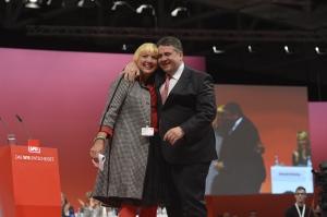 Claudia Roth; Sigmar Gabriel - Parteitag 2013